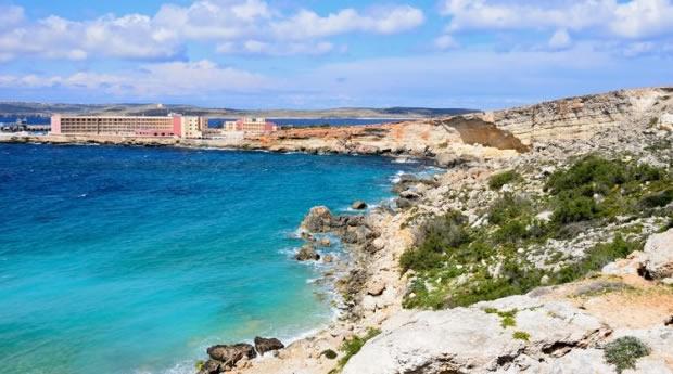Tranquilidade nas praias de Malta